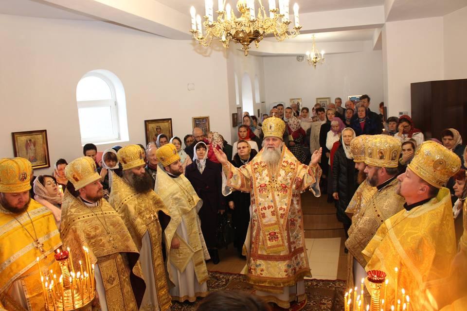 Освячено престол нижнього храму на честь знайдення мощей святителя Іоанна Шанхайського і Сан-Франциського